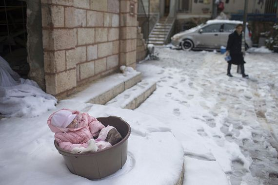 Moms Are Leaving Their Babies Out In Freezing Temperatures