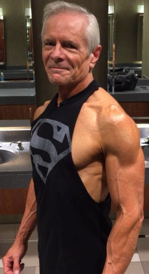 68-Year-Old Man With A Six-Pack - TWBLOWMYMIND